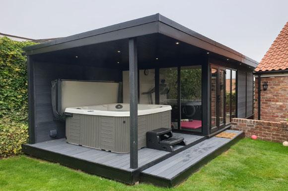 Relaxing Garden Room Hot Tub Retreat Sheffield